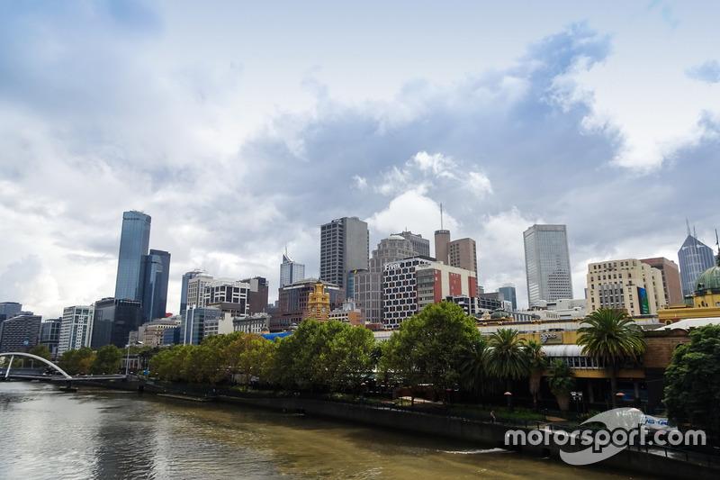Blick auf Melbourne über den Yarra River