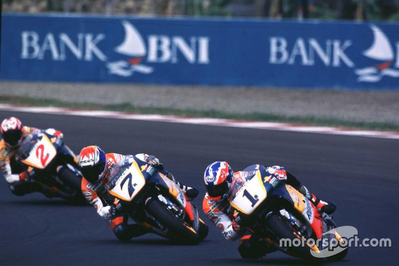 Mick Doohan, Repsol Honda Team; Tadayuki Okada, Repsol Honda Team; Alex Crivillé, Repsol Honda Team