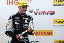 Podium: race winner Tom Ingram, Speedworks Motorsport Toyota Avensis