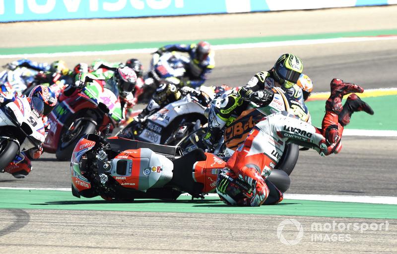 Аварія Хорхе Лоренсо, Ducati Team, на початку гонки в Арагоні
