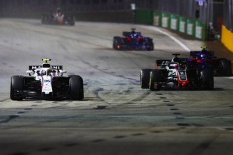 Sergey Sirotkin, Williams FW41, Romain Grosjean, Haas F1 Team VF-18, Pierre Gasly, Scuderia Toro Rosso STR13, y Brendon Hartley, Toro Rosso STR13