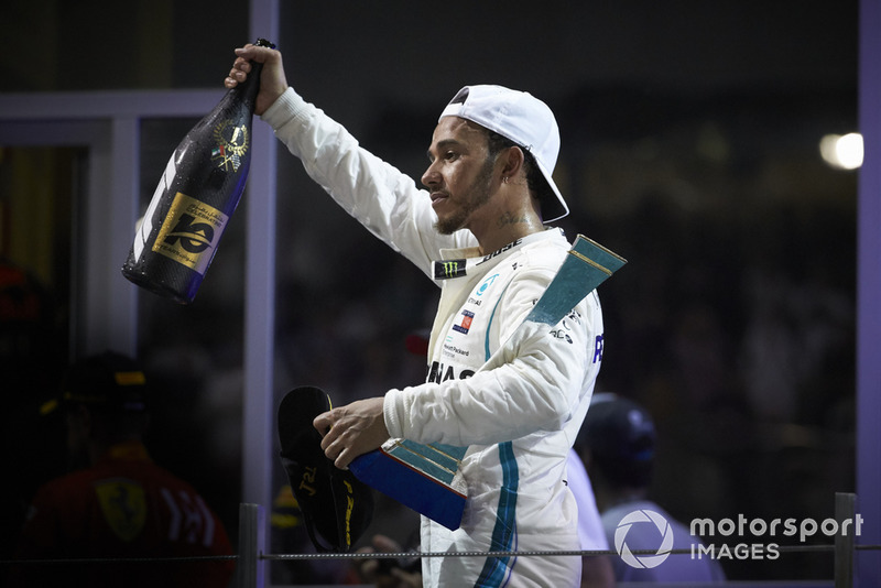 Lewis Hamilton, Mercedes AMG F1, vainqueur sur le podium