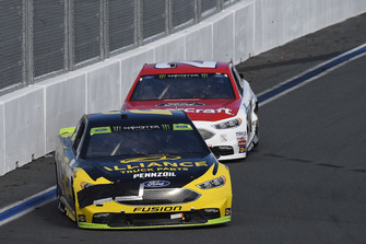 Brad Keselowski, Team Penske, Ford Fusion Alliance Truck Parts, Paul Menard, Wood Brothers Racing, Ford Fusion Motorcraft / Quick Lane Tire & Auto Center