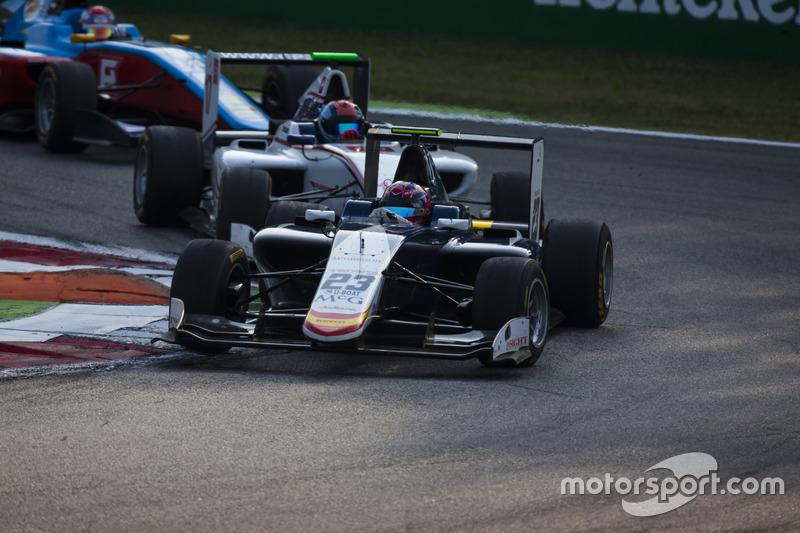 Steijn Schothorst, Campos Racing leads Ralph Boschung, Koiranen GP