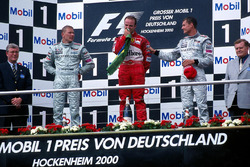 Podium: 1. Rubens Barrichello, Ferrari; 2. Mika Häkkinen, McLaren; 3. David Coulthard, McLaren