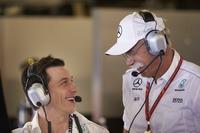 Toto Wolff, Takım Direktörü Mercedes AMG F1, Dr Dieter Zetsche, CEO, Mercedes Benz