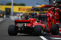 Sebastian Vettel, Ferrari SF71H, rentre au stand