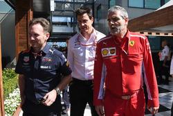 Christian Horner, Team Principal Red Bull Racing, Toto Wolff, Direttore del Motorsport Mercedes AMG F1 e Maurizio Arrivabene, Team Principal Ferrari