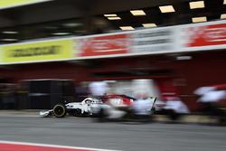 Marcus Ericsson, Alfa Romeo Sauber C37 pit stop