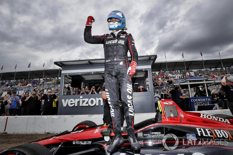 Ganador de la pole Robert Wickens, Schmidt Peterson Motorsports Honda