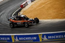 Мансур Чеблі за кермом ROC Car