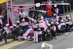 Esteban Ocon, Force India VJM11 aux stands