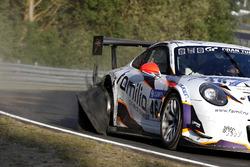 #46 rent2Drive-Familia-racing Porsche 991 GT3 Cup MR: David Ackermann, Dmitriy Lukovnikov, Walter Csaba, Jörg Wiskirchen with a flat tire