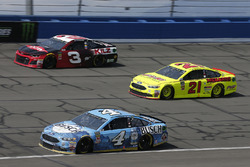 Kevin Harvick, Stewart-Haas Racing, Ford Fusion Busch Beer Paul Menard, Wood Brothers Racing, Ford Fusion Menards / FVP, Paul Menard, Wood Brothers Racing, Ford Fusion Menards / FVP