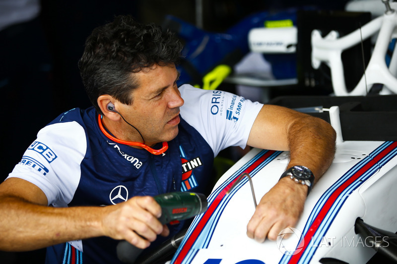 A Williams engineer in the garage