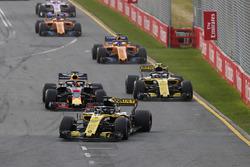 Nico Hulkenberg, Renault Sport F1 Team R.S. 18., leads Daniel Ricciardo, Red Bull Racing RB14 Tag He