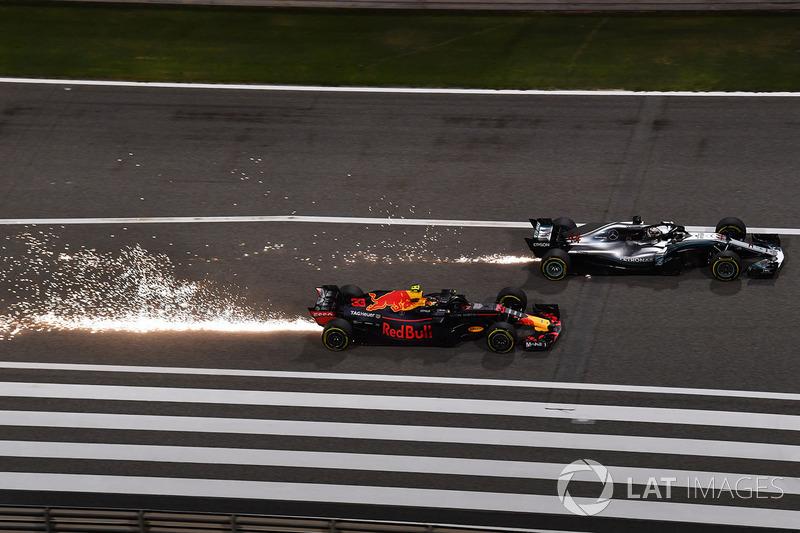 Льюис Хэмилтон, Mercedes AMG F1 W09, и Макс Ферстаппен, Red Bull Racing RB14