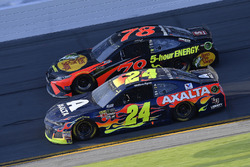 William Byron, Hendrick Motorsports,AXALTA Chevrolet Camaro and Martin Truex Jr., Furniture Row Racing Toyota