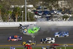 Crash: Chase Elliott, Hendrick Motorsports Chevrolet Camaro, Kasey Kahne, Leavine Family Racing Chevrolet Camaro, Danica Patrick, Premium Motorsports Chevrolet Camaro