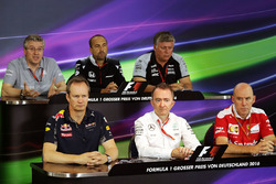 Press Conference: Pat Fry, Manor Racing Engineering Consultant; Matt Morris, McLaren Engineering Director; Otmar Szafnauer, Sahara Force India F1 Chief Operating Officer; Paul Monaghan, Red Bull Racing Chief Engineer; Paddy Lowe (GBR) Mercedes AMG F1 Executive Director (Technical); Jock Clear, Ferrari Engineering Director