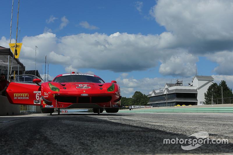 #62 Risi Competizione Ferrari F488: Toni Vilander, Giancarlo Fisichella