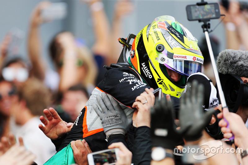Sergio Pérez, Sahara Force India F1 celebra su tercera posición en parc ferme
