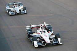 Элио Кастроневес, Team Penske Chevrolet и Хуан-Пабло Монтойя, Team Penske Chevrolet