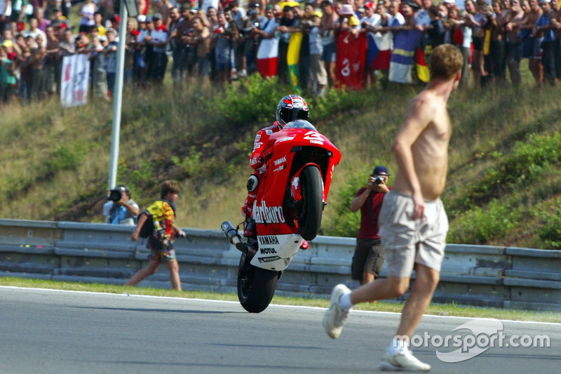 Sieger Max Biaggi, Marlboro Yamaha Team