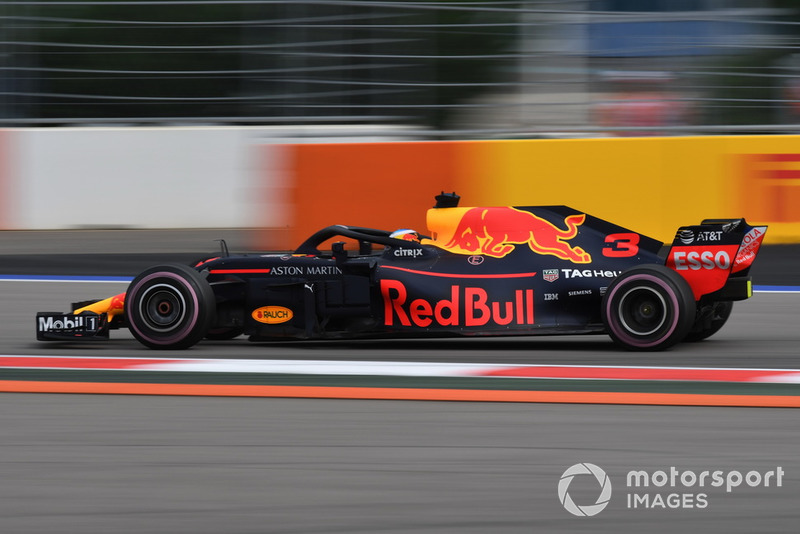 19: Daniel Ricciardo, Red Bull Racing RB14, no time