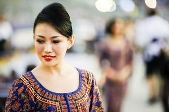 Grid girl in lokale kleding