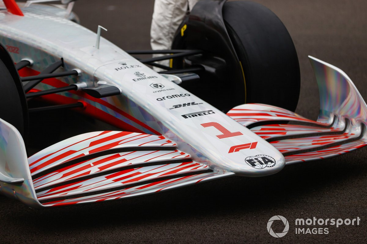 Detail of the front wing and nose of the F1 2022 presented at Silverstone.