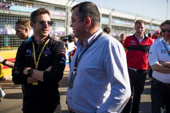 Eric Boullier visits the grid