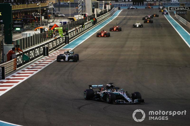 Lewis Hamilton, Mercedes AMG F1 W09 EQ Power+, Valtteri Bottas, Mercedes AMG F1 W09 EQ Power+, Sebastian Vettel, Ferrari SF71H, y Kimi Raikkonen, Ferrari SF71H