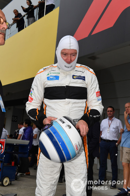 Mika Hakkinen, McLaren MP4-13 demonstratie