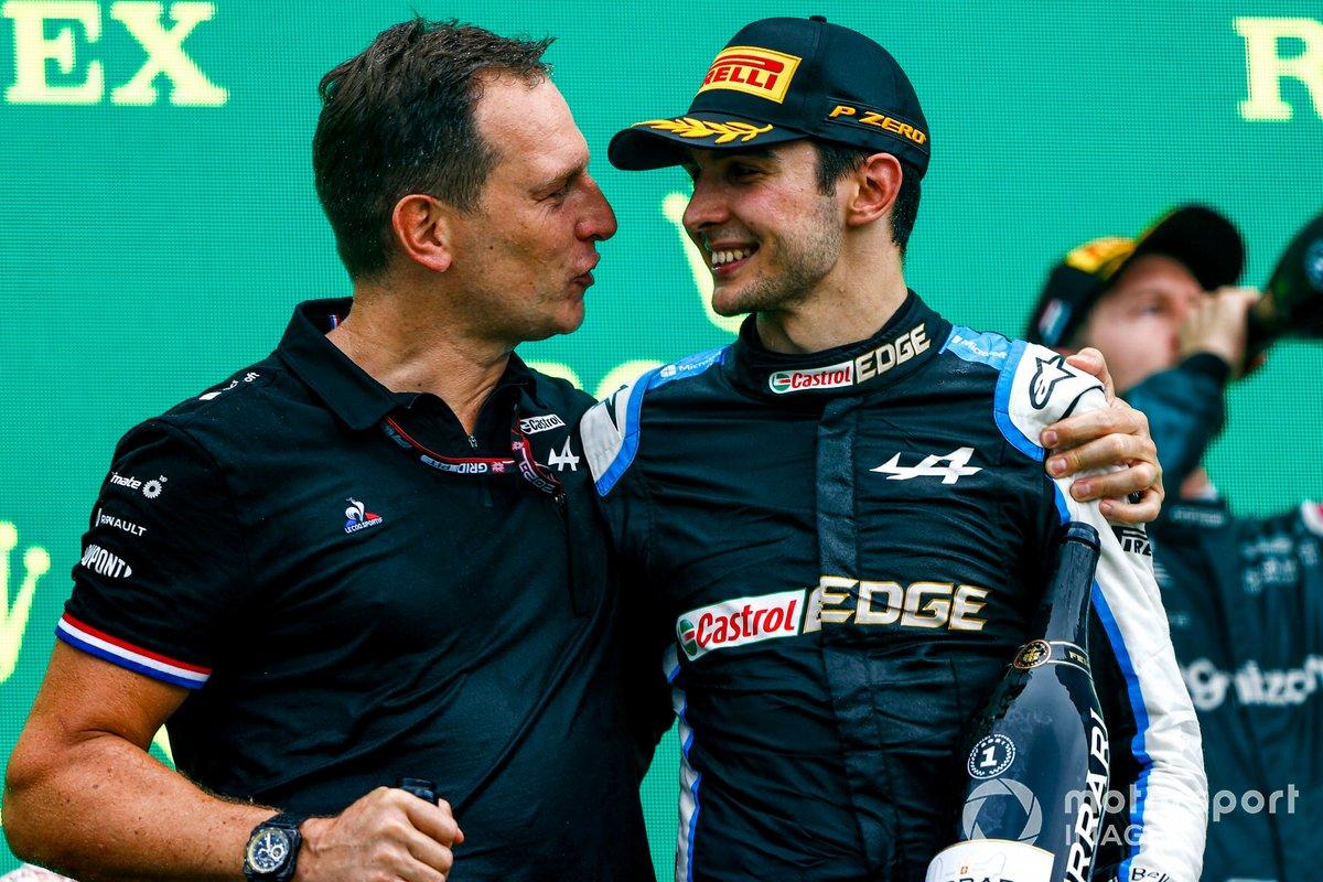 Laurent Rossi, CEO, Alpine F1, and Esteban Ocon, Alpine F1, 1st position, on the podium