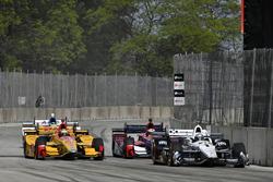 Simon Pagenaud, Team Penske, Chevrolet; Ryan Hunter-Reay, Andretti Autosport, Honda
