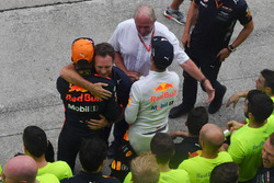 Christian Horner, Red Bull Racing Teambaas en Max Verstappen, Red Bull Racing vieren feest