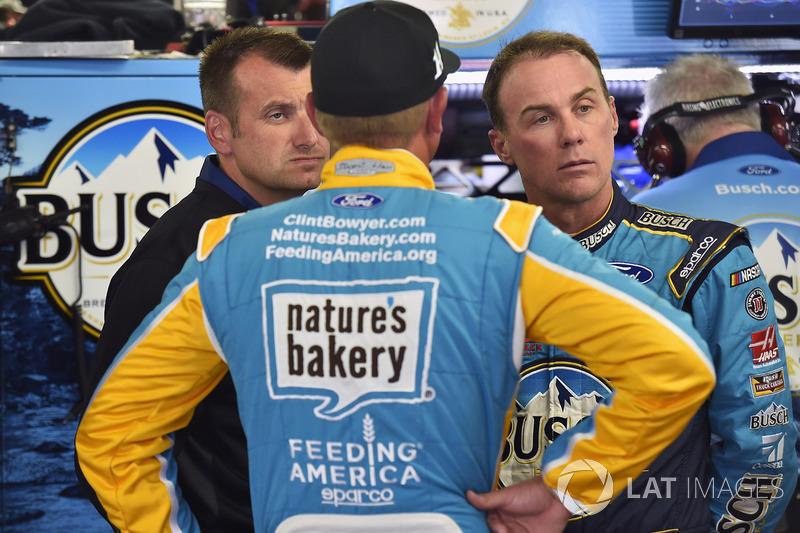 Kevin Harvick, Stewart-Haas Racing Ford, Clint Bowyer, Stewart-Haas Racing Ford