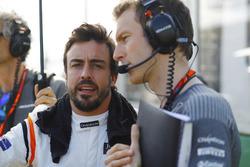 Fernando Alonso, McLaren y Mark Temple, McLaren