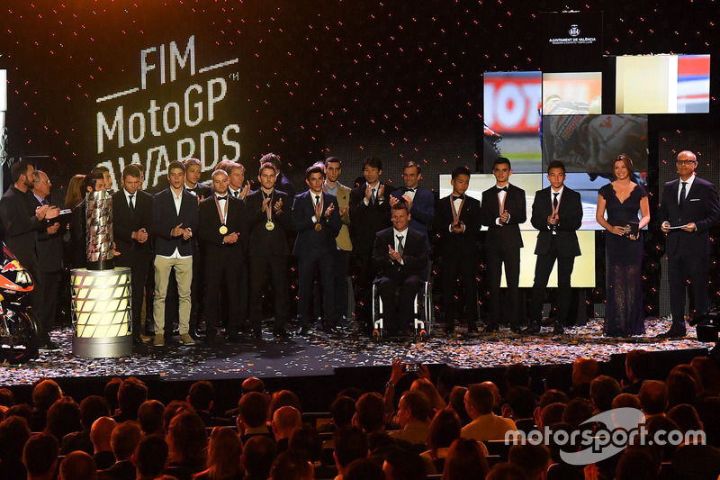 Gruppenfoto bei der FIM-Saisonabschlussfeier 2016