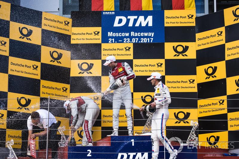 Подіум: переможець Рене Раст, Audi Sport Team Rosberg, Audi RS 5 DTM, друге місце Майк Роккенфеллер,