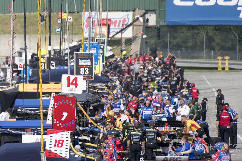 Carlos Munoz, A.J. Foyt Enterprises Chevrolet, Charlie Kimball, Chip Ganassi Racing Honda