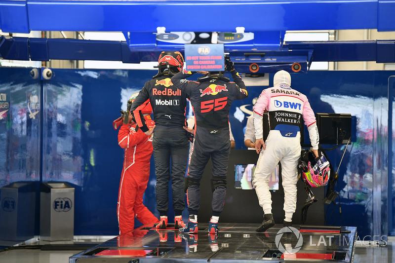 Макс Ферстаппен, Red Bull Racing, Серхіо Перес, Sahara Force India
