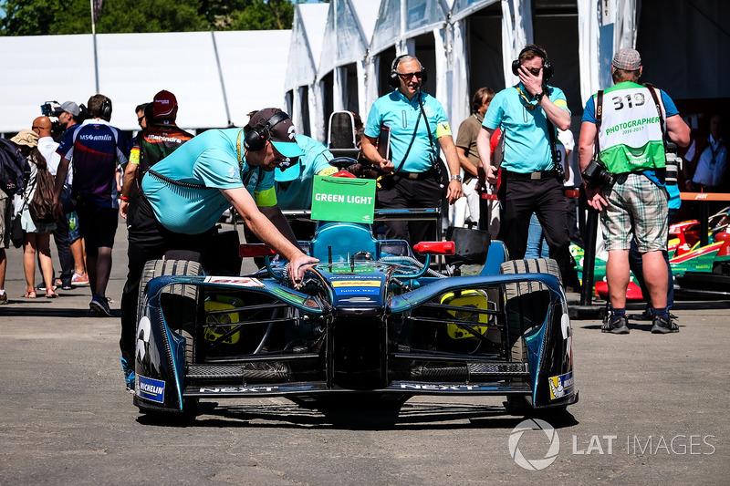 Coche de Oliver Turvey, NEXTEV TCR Formula E Team
