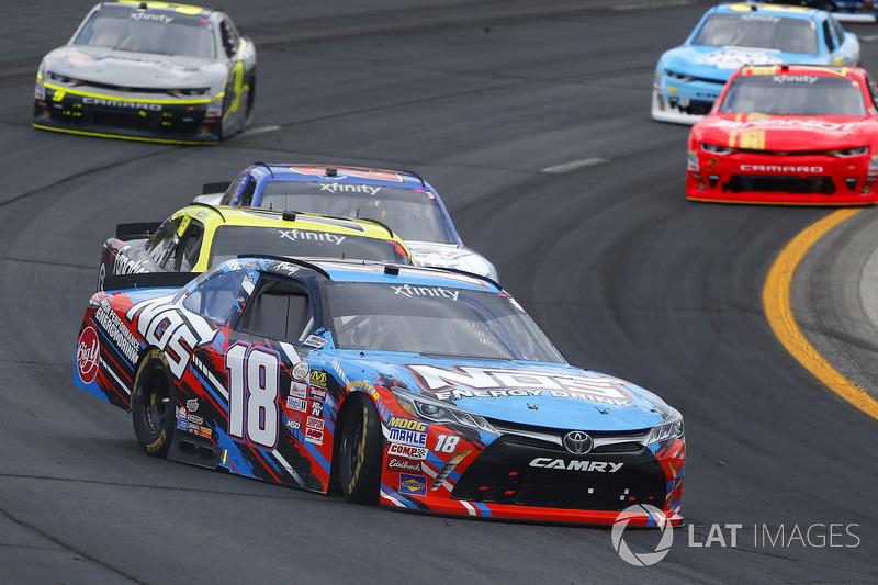 Drift: Kyle Busch, Joe Gibbs Racing Toyota