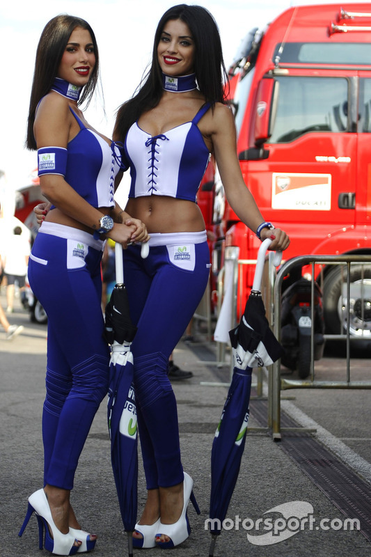 Hot Yamaha girls at Aragon GP