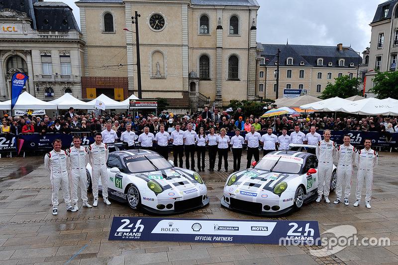 #91 Porsche Motorsport Porsche 911 RSR: Nick Tandy, Patrick Pilet, Kevin Estre, #92 Porsche Motorspo