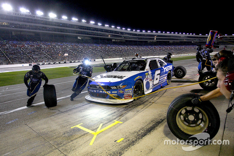 Pit stop, Darrell Wallace Jr., Roush Fenway Racing Ford