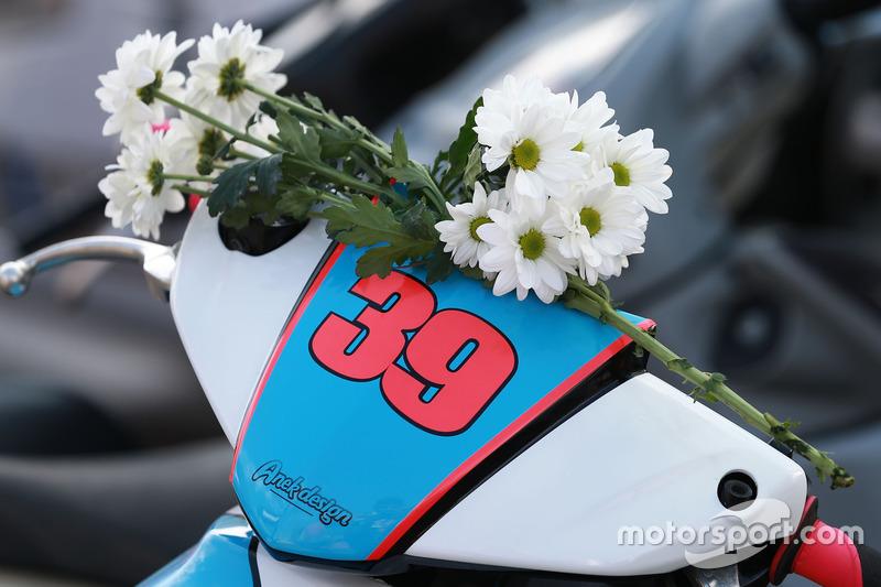 Flores para Luis Salom, SAG Racing Team