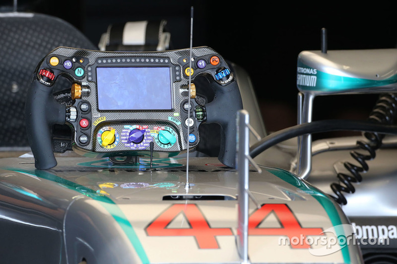 Lewis Hamilton, Mercedes AMG F1 Team steering wheel